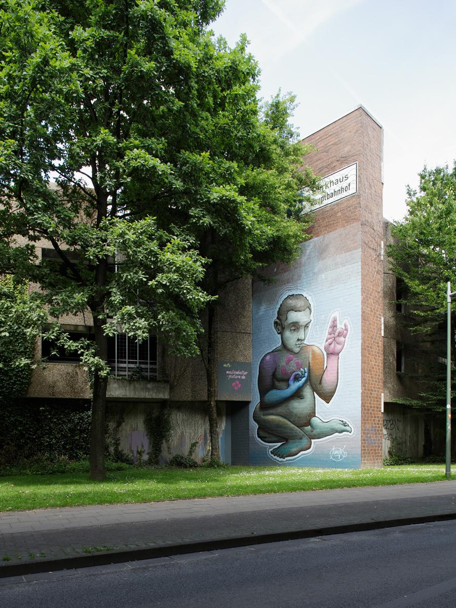 «the turn» Fassadenmalerei von Malik Heilmann in Bielefeld